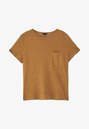 MIT TASCHE  - Basic T-shirt - ochre