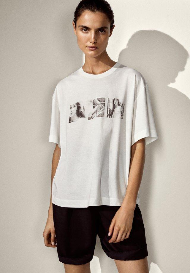 MIT JANE BIRKIN-FOTO - Print T-shirt - white