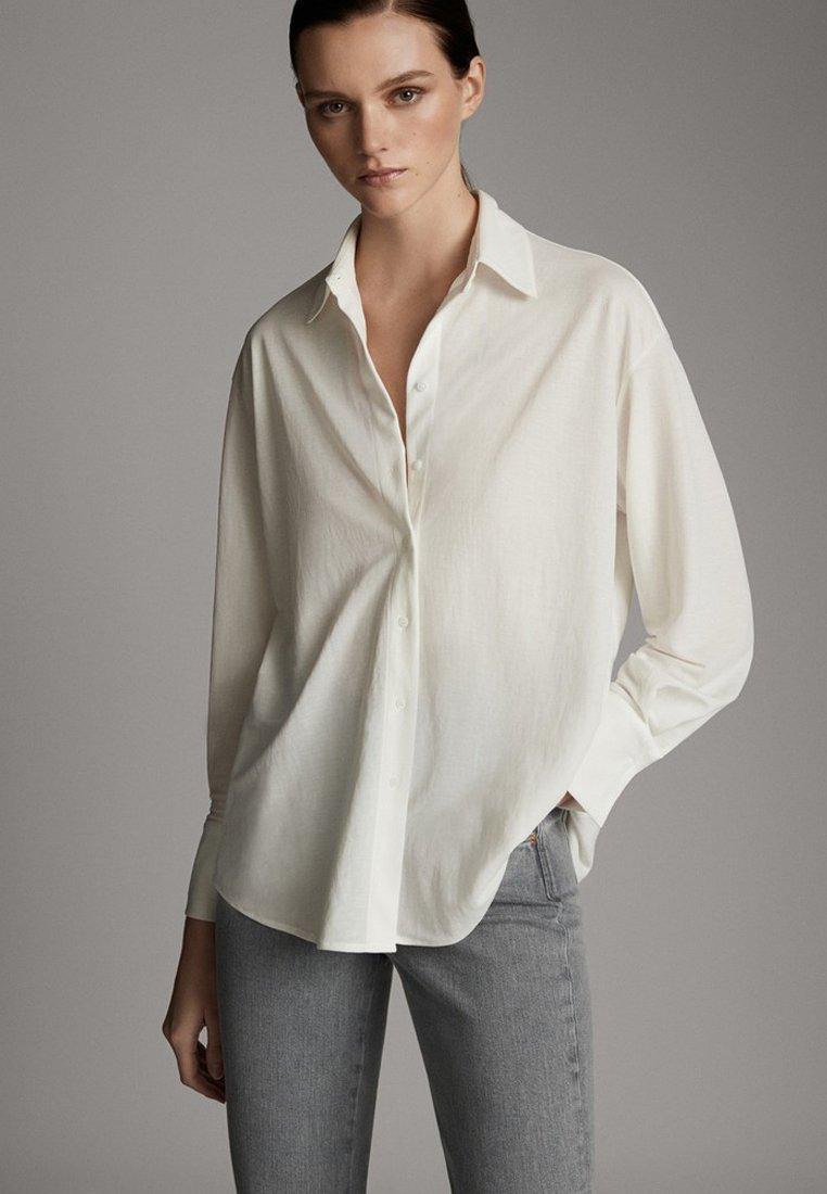 Massimo Dutti - MIT KNÖPFEN UND RÜCKENPASSE  - Koszula - beige
