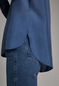 Massimo Dutti - 05123517 - Overhemdblouse - blue - 5