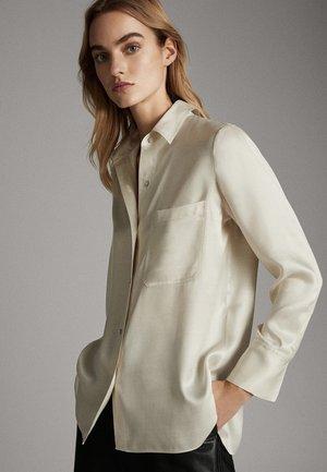 SATINIERTES HEMD MIT TASCHE 05138532 - Overhemdblouse - beige
