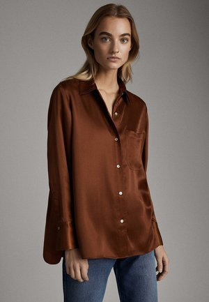 SATINIERTES HEMD MIT TASCHE 05138532 - Button-down blouse - brown