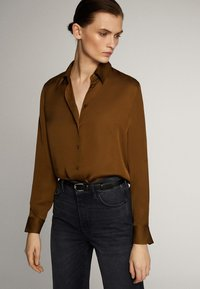 Massimo Dutti - UNIFARBENES FLIESSENDES HEMD 05111690 - Button-down blouse - khaki - 3