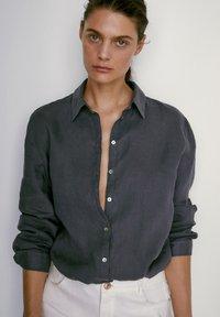 Massimo Dutti - Button-down blouse - dark purple - 0