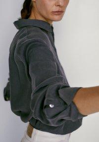 Massimo Dutti - Button-down blouse - dark purple - 5