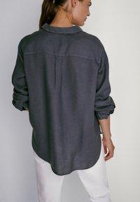 Massimo Dutti - Button-down blouse - dark purple - 1