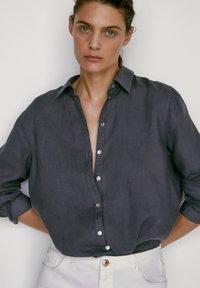 Massimo Dutti - Button-down blouse - dark purple - 4