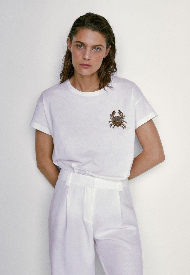BAUMWOLL MIT LIBELLE 06893784 - T-shirt con stampa - white