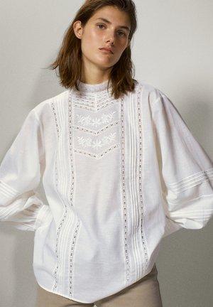 BESTICKTES - Shirt - white