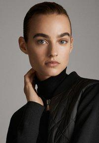 Massimo Dutti - MIT STRICKDETAILS - Bomber Jacket - black - 4