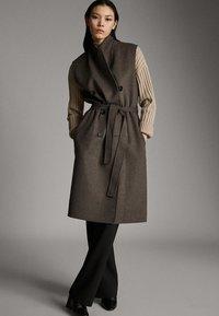 Massimo Dutti - Waistcoat - brown - 1