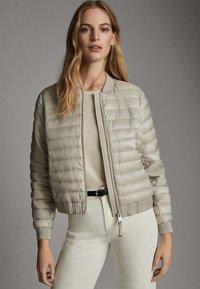 Massimo Dutti - MIT METALLICVERZIERUNG - Winter jacket - beige - 2