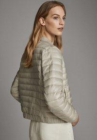 Massimo Dutti - MIT METALLICVERZIERUNG - Winter jacket - beige - 1