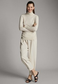 Massimo Dutti - UNIFARBENER PULLOVER AUS SEIDE WOLLE 05600520 - Sweter - beige - 1