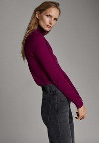 Massimo Dutti - UNIFARBENER PULLOVER AUS SEIDE WOLLE 05600520 - Pullover - dark purple - 2