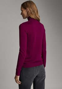 Massimo Dutti - UNIFARBENER PULLOVER AUS SEIDE WOLLE 05600520 - Pullover - dark purple - 1