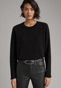 Massimo Dutti - KASCHMIR - Sweter - black - 3