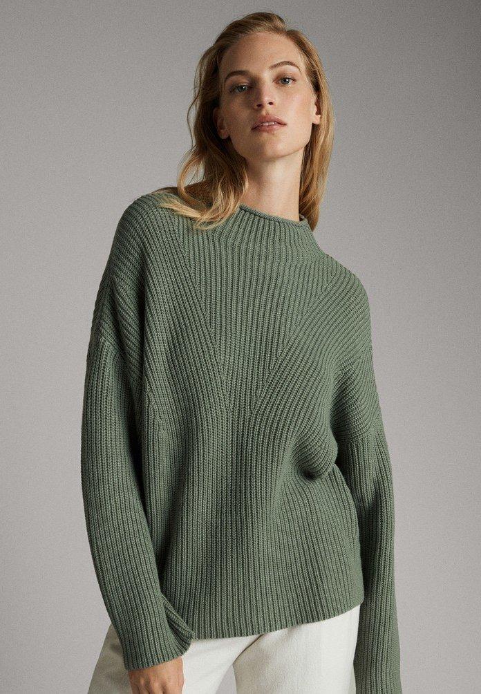 Massimo Dutti - MIT STEHKRAGEN - Jumper - green