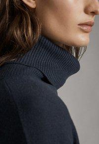 Massimo Dutti - MIT ROLLKRAGEN  - Jumper - dark grey - 4
