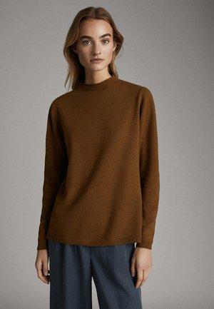 PULLOVER AUS WOLLE UND KASCHMIR MIT STEHKRAGEN 05615521 - Sweter - brown