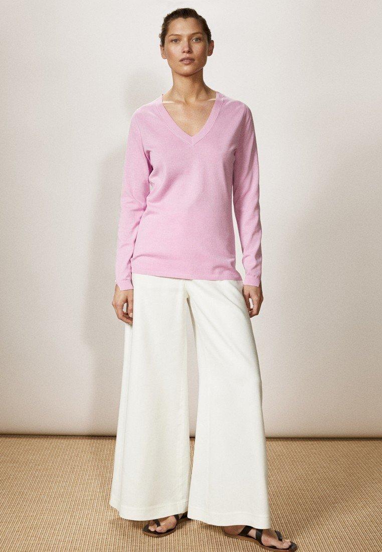Massimo Dutti - MIT V-AUSSCHNITT  - Jumper - light pink