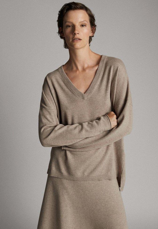 Massimo Dutti - MIT V-AUSSCHNITT  - Sweatshirts - brown
