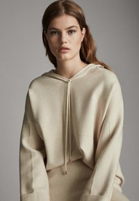 Massimo Dutti - STRICK-CAPE MIT KAPUZE 05623807 - Sweater - beige - 3