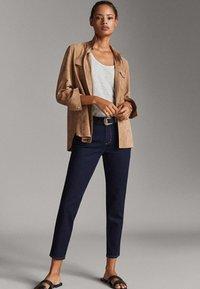 Massimo Dutti - MIT MITTELHOHEM BUND - Jeans slim fit - blue - 1