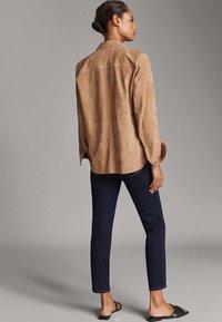 Massimo Dutti - MIT MITTELHOHEM BUND - Jeans slim fit - blue - 2