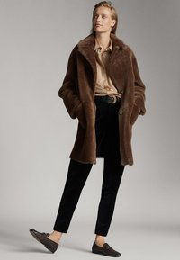 Massimo Dutti - MIT HOHEM BUND  - Spodnie materiałowe - black - 1