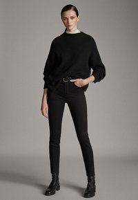 Massimo Dutti - MIT HOHEM BUND  - Pantalon classique - black - 3