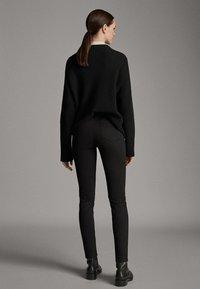 Massimo Dutti - MIT HOHEM BUND  - Pantalon classique - black - 2