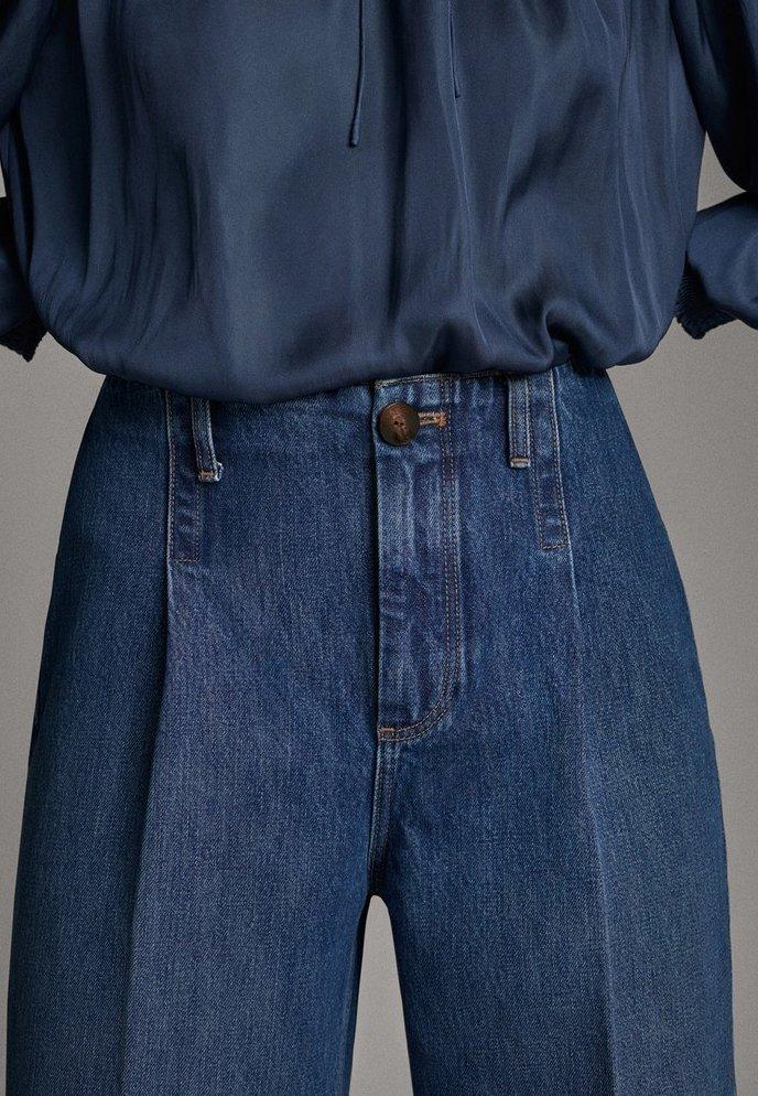 Massimo Dutti JEANS MIT BUNDFALTEN UND WEITEM BEIN 05045718 - Jeansy Dzwony - blue