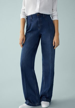 MIT BUNDFALTEN UND WEITEM BEIN  - Flared Jeans - blue