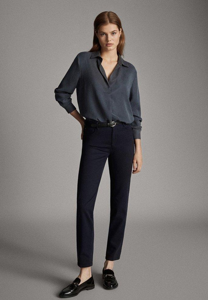 Massimo Dutti - BROKEN-TWILL-ZIGARETTENHOSE 05067707 - Slim fit jeans - blue