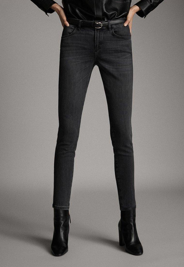 Massimo Dutti - SKINNY-FIT-JEANS MIT MITTELHOHEM BUND 05051703 - Jeans Skinny Fit - grey