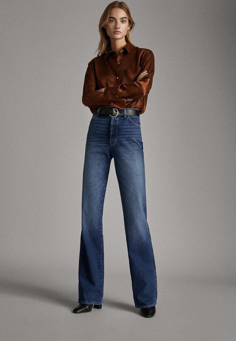 Massimo Dutti - JEANS MIT WEITEM BEIN UND HOHEM BUND 05043731 - Jeansy Relaxed Fit - blue