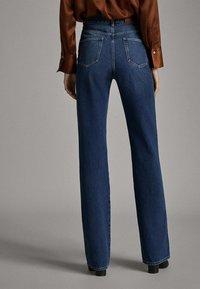 Massimo Dutti - JEANS MIT WEITEM BEIN UND HOHEM BUND 05043731 - Relaxed fit jeans - blue - 1
