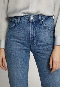 Massimo Dutti - MIT HOHEM BUND - Straight leg jeans - blue - 13