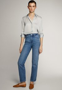 Massimo Dutti - MIT HOHEM BUND - Straight leg jeans - blue - 10