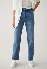 Massimo Dutti - MIT HOHEM BUND - Straight leg jeans - blue - 0