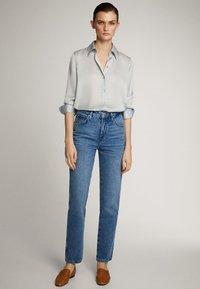 Massimo Dutti - MIT HOHEM BUND - Straight leg jeans - blue - 7