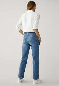 Massimo Dutti - MIT HOHEM BUND - Straight leg jeans - blue - 2