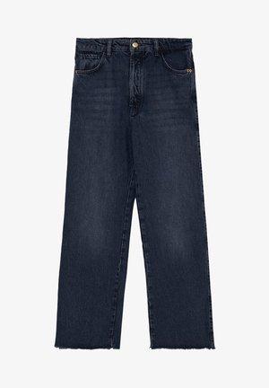 MIT HOHEM BUND UND AUSGEFRANSTEM SAUM  - Flared Jeans - blue