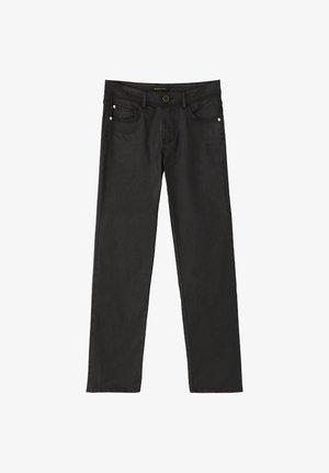 CROPPED-HOSE IM SLIM-FIT MIT GUMMIERTEM FINISH UND HALBHOHEM BUN - Spodnie materiałowe - black