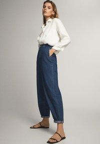Massimo Dutti - MIT HOHEM BUND 05053724 - Straight leg jeans - blue - 3