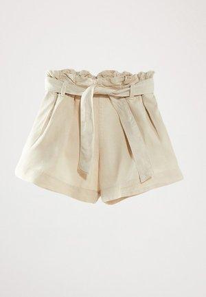 MIT GÜRTEL  - Denim shorts - beige