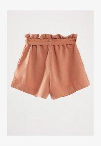 Massimo Dutti - MIT GÜRTEL  - Denim shorts - neon pink - 1