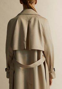 Massimo Dutti - Trenchcoats - brown - 5