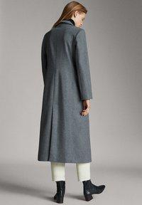 Massimo Dutti - Classic coat - dark grey - 2